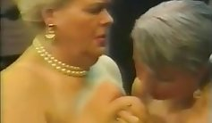 Anna Morna and Hollow Sexy BBW in classic lesbian porn