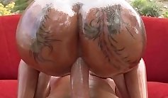 Bitch with beautiful butt is doing anal sex and getting pleasing