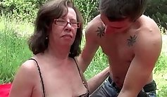 Booty rae outdoor granny gets ass fucked