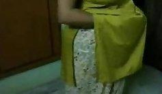 Sexy Honey Aunty Giving bigtits in Suhlan Muni