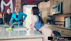 Aletta Ocean and her brother Sydney are having fun outside