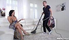 Squirting MILF movies and hot married guy sucking dick